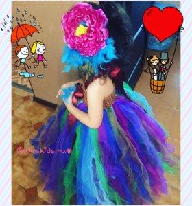 Праздничное яркое платье для девочки