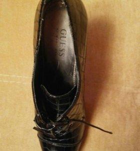 Туфли колекционные GUESS