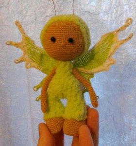 Бабочка- вязаная игрушка