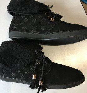 Зимние женские ботинки LV на мезу