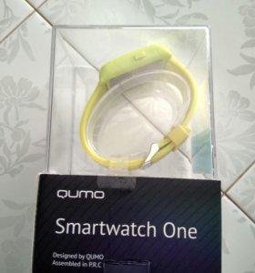 Qumo smartwatch