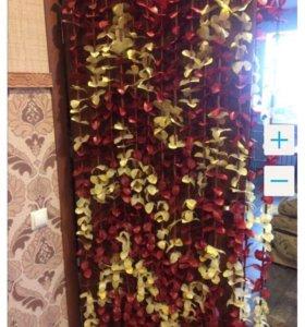 Штора на дверь из цветов
