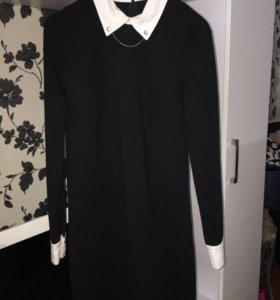 Продам чёрное платье с белым воротником.