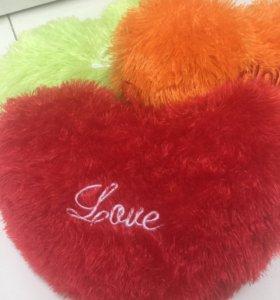 Подушка-сердечко меховое