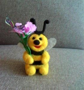 """Игрушка валяная """"Пчеленок"""""""