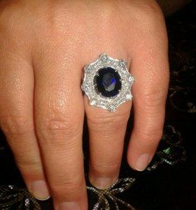 Кольцо из белого золота брилиантовое, дубайское