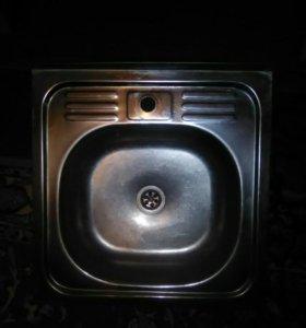 Мойка кухонная металлическая