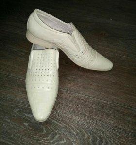 Туфли светлые