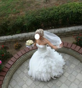 Свадебный костюм и платье