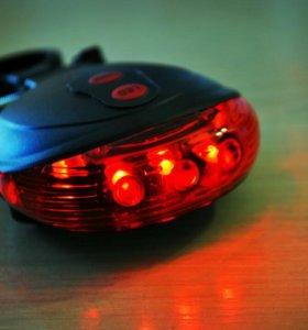 Задний фонарь с лазером для велосипеда