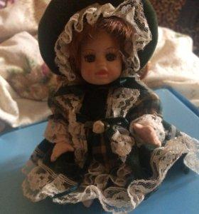 Керамическая кукла