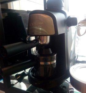 Кофеварка ,новая