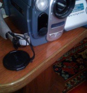 Видеокамера Sony DCR-TRV255E PAL
