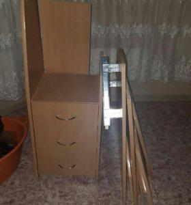 Компьютерный стол , небольшой угловой.