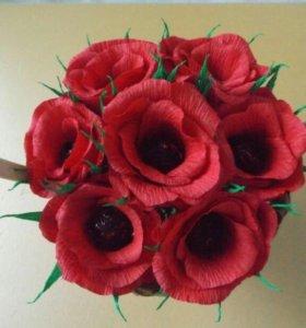 Корзиночка с цветами и конфетами