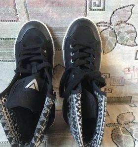 Продам ботинки ( весна)