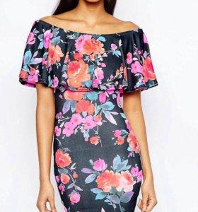 Платье с цветочным принтом Club L Essentials