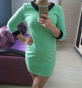 Продам платье, 42 размер, БУ мало