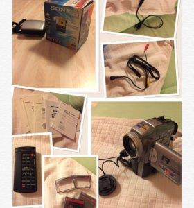 Продам камеру Sony Handycam DCR-PC115E
