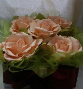 Розы в коробке )