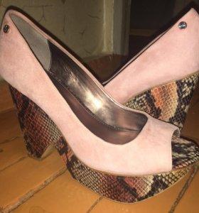 Туфли на платформе Calvin Klein