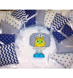 Бортики-подушки в морском стиле