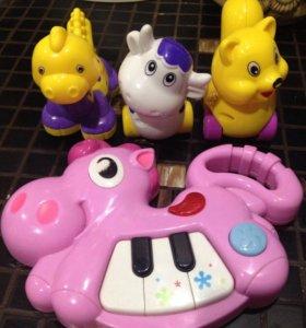 Игрушки для малышей пионино
