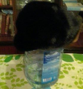Норковая шапка с козырьком