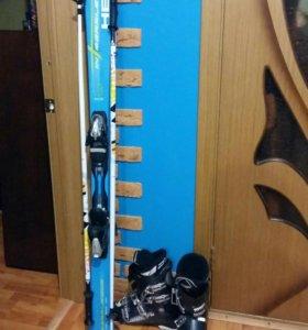 Ботинки, лыжи и палки