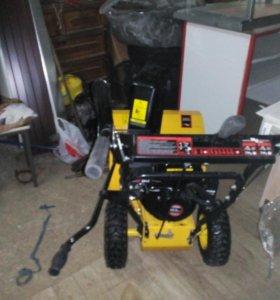 Снегоуборщик бензиновый с аккумулятором