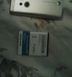 Крышка и батарейка ( оригинальные) Sony Ericsson