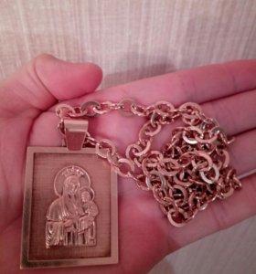 Мощная золотая цепь с иконой
