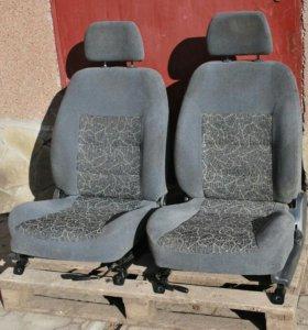 Сиденья передние правое на шевроле ланос