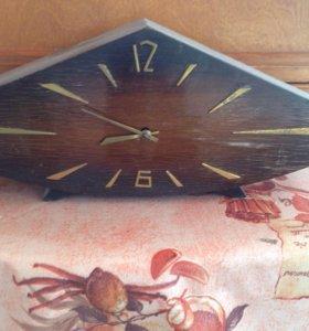 Часы настольные ретро
