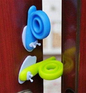 Блокираторы на дверь