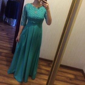 Бирюзовое длинное платье