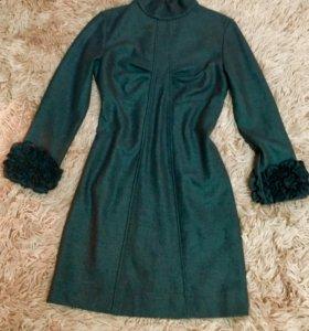 Платье D&G.