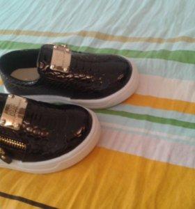 Слипоны , ботинки , обувь
