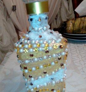 Дорогая золотая бутыль для коньяка