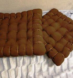 Подушки-печеньки на стулья