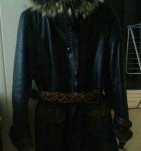 Куртка пальто кожанное женское зимнее,демисезонное