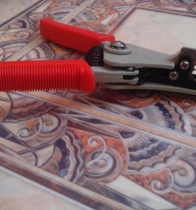 Инструмент для зачистки проводов, снятия изоляции.