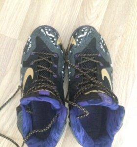 Кроссовки Nike LeBron XI