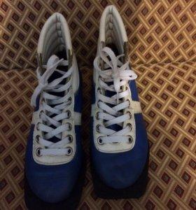 Ботинки-лыжные