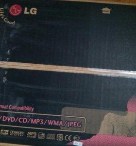 DVD-плеер LG.