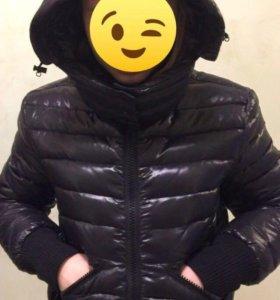 Куртка женская пуховая новая Benetton