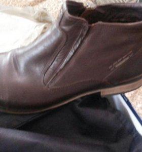 Кожанные ботинки 43р