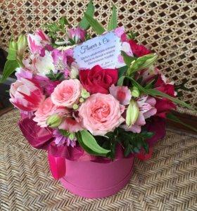 Цветы в шляпных коробочках