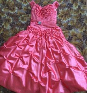 Платье для девочки 8-10 лет.