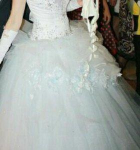 Свадебное платье (с подьюбником)